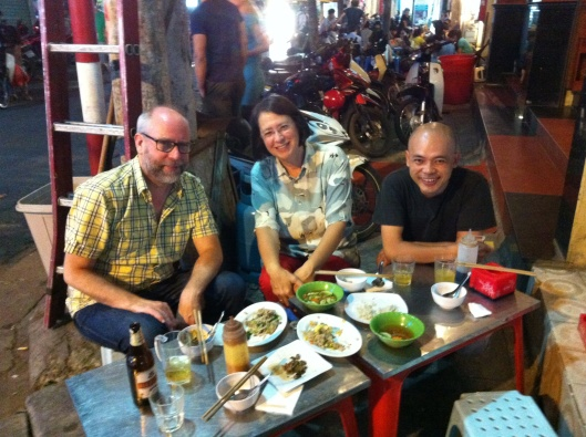 Old Quarter street food with Jakob, Jan and Tan (my photo).