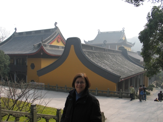 Jan at the summit of Lin Ying Temple in Hanzhou.