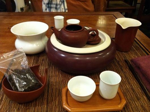 Tea set at De Ye Cha Chi.