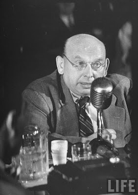 Hanns Eisler before the HUAC Committee.