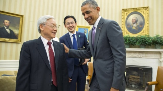 Nguyen Phu Trong with President Obama in the Oval Office this summer.