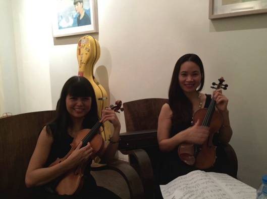 VNSO violinists Spring Dao and Hong An.