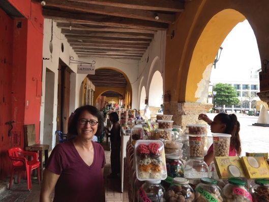 Jan at the Portal de los Dulces arcade.