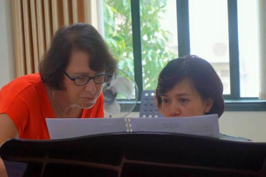 Jan working on every detail with pianist Quynh Trang Pham.