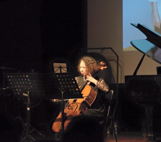 Tuyet Trinh Dao plays Tiet's Voyage.