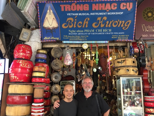 Diggin around Ha Noi for the real sound of Viet Nam with Vu Nhat Tan.