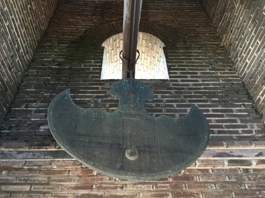 A mammoth flat gong in the Chua Dau bell tower.