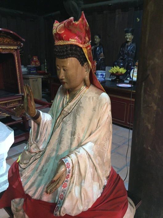 A red and white Guanyin.