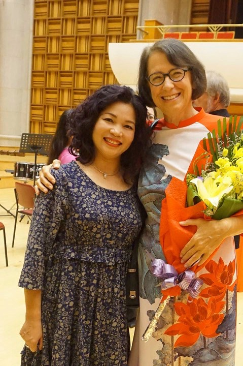 Jan with our Vietnamese teacher Tran Thu Thủy.