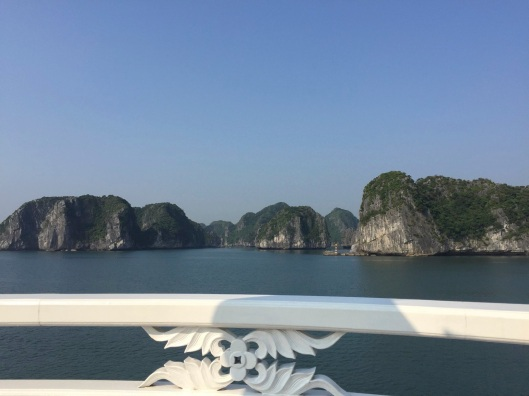Turning to the approach to Cat Ba Island.